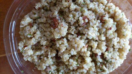 La salade de quinoa dans sa boite